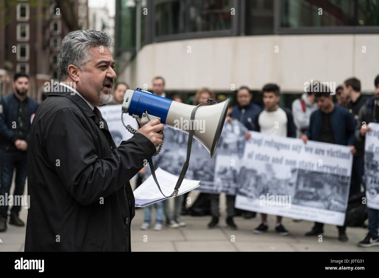 London, UK. 13th April, 2017. Dashty Jamal addresses members of the UK's Iraqi community and supporters attending - Stock Image