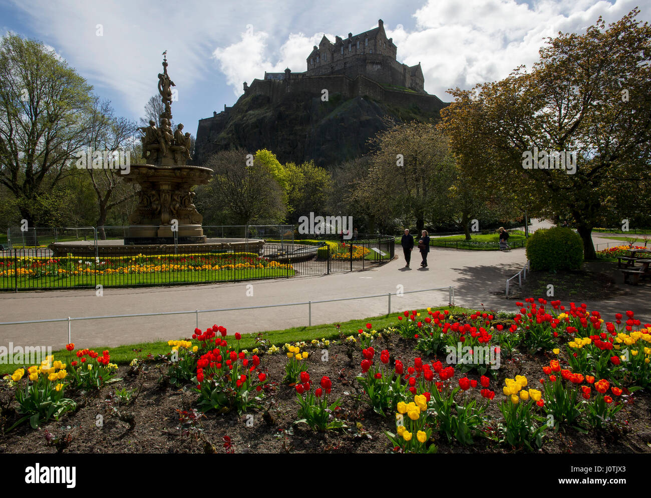The Ross fountain in West Princes Street Gardens and  Edinburgh Castle. - Stock Image