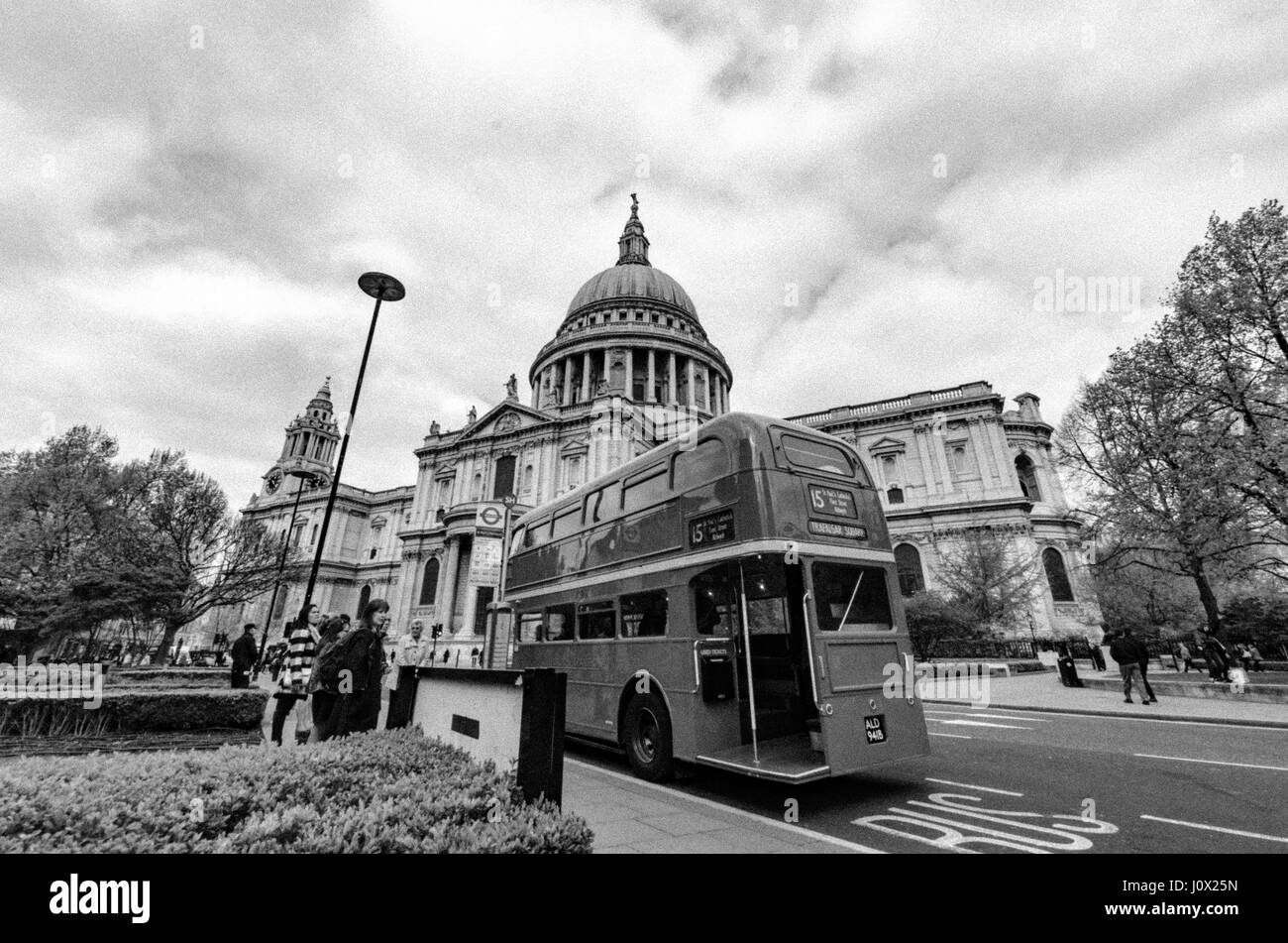 A London heritage routemaster outside St Pauls Cathedral Stock Photo