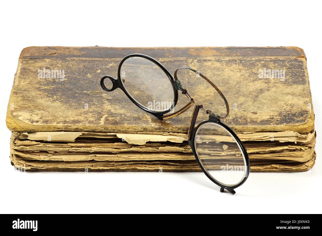 e1b0e461694 Pince Nez Glasses Stock Photos   Pince Nez Glasses Stock Images - Alamy