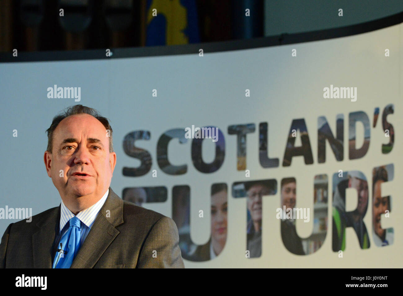 Scotland's First Minister Alex Salmond addresses a public meeting in Arbroath in front of a Scotland's Future - Stock Image