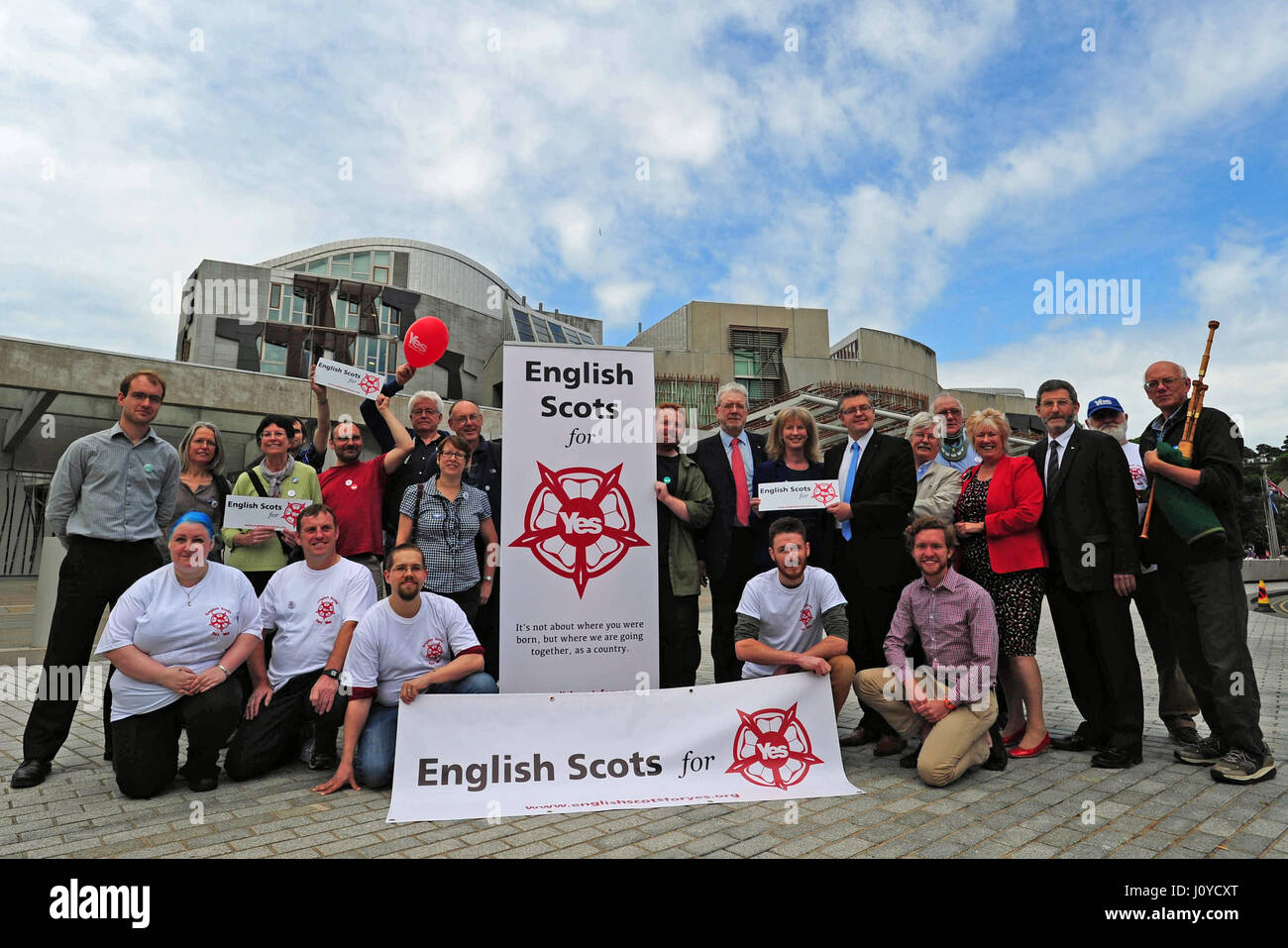 A new Scottish independence campaign group 'English Scots for Yes' is launched outside the Scottish Parliament, - Stock Image