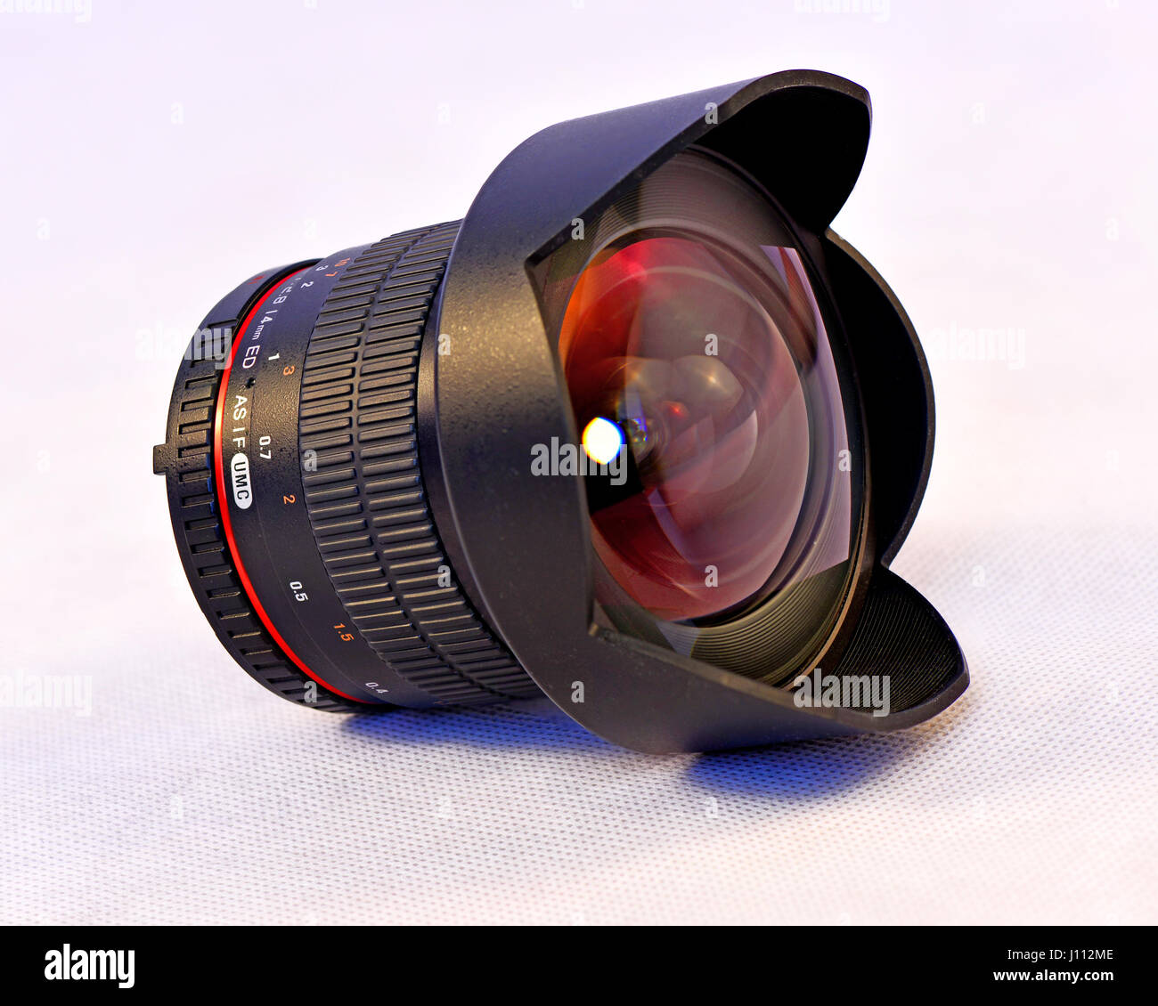 Samyang F28 14mm Super Wide Angle SLR Lens