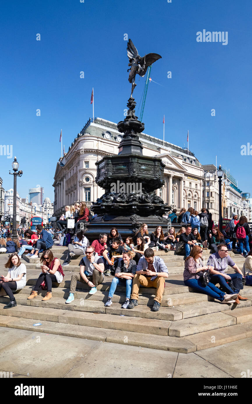 The Shaftesbury Memorial Fountain with Eros statue in Picadilly Circus, London England United Kingdom UK - Stock Image