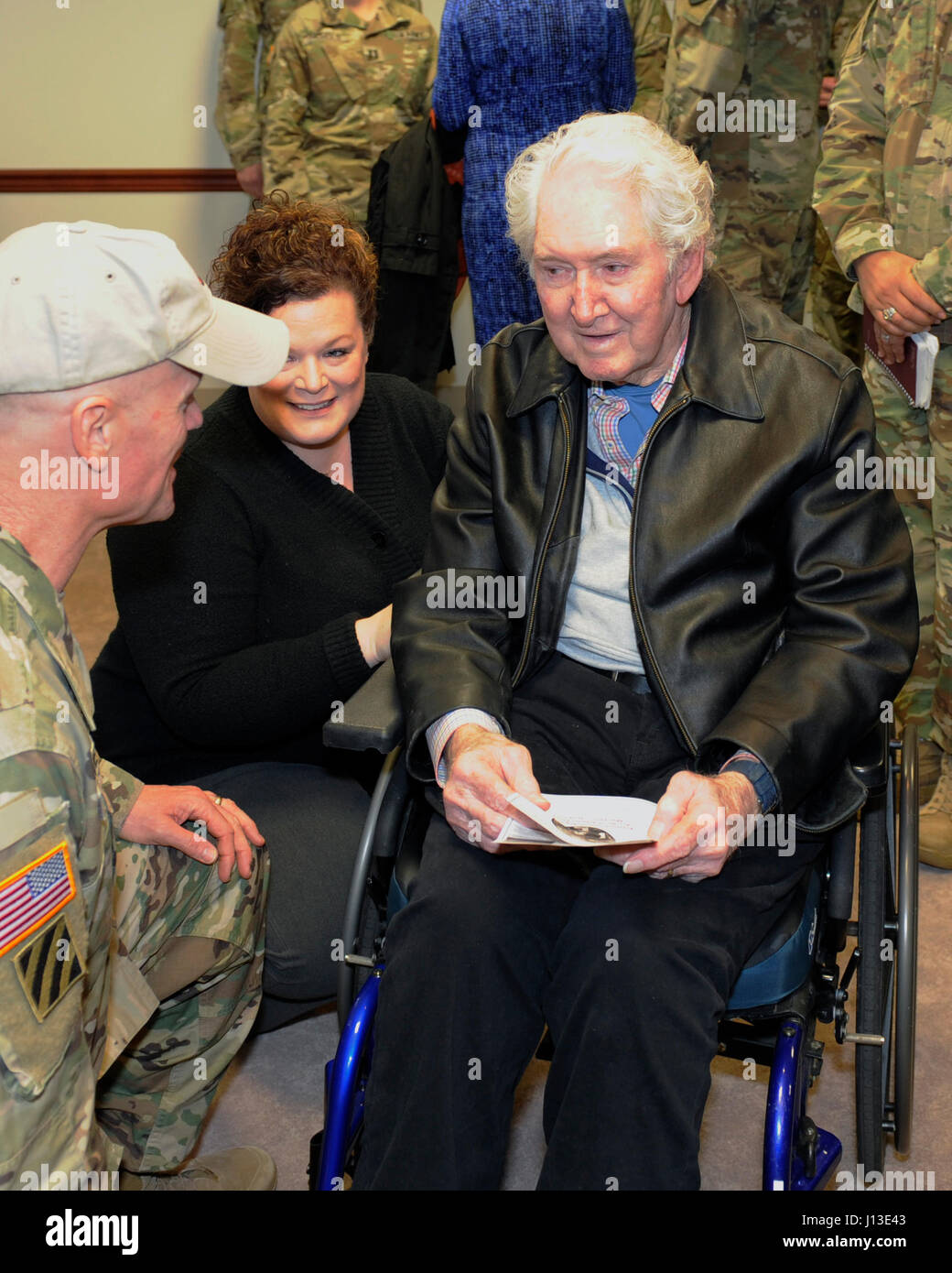 Lt gen ret william harrison at the ltg hal moore 7th infantry lt gen ret william harrison at the ltg hal moore 7th infantry division dedication ceremony thecheapjerseys Image collections