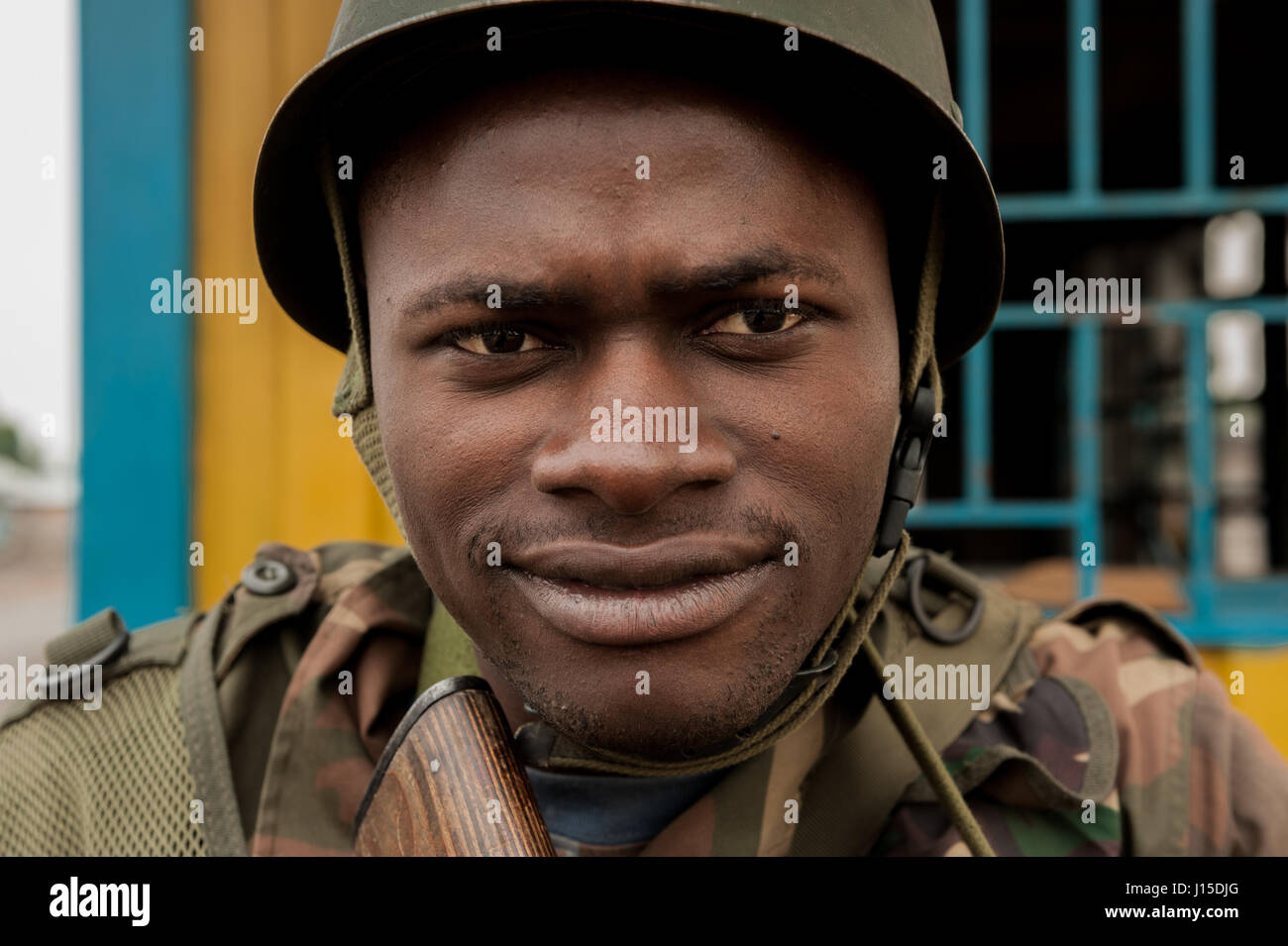 A DRC national army (FARDC) soldier at a checkpoint on the frontline with M23 militia near Goma, Democratic Republic - Stock Image