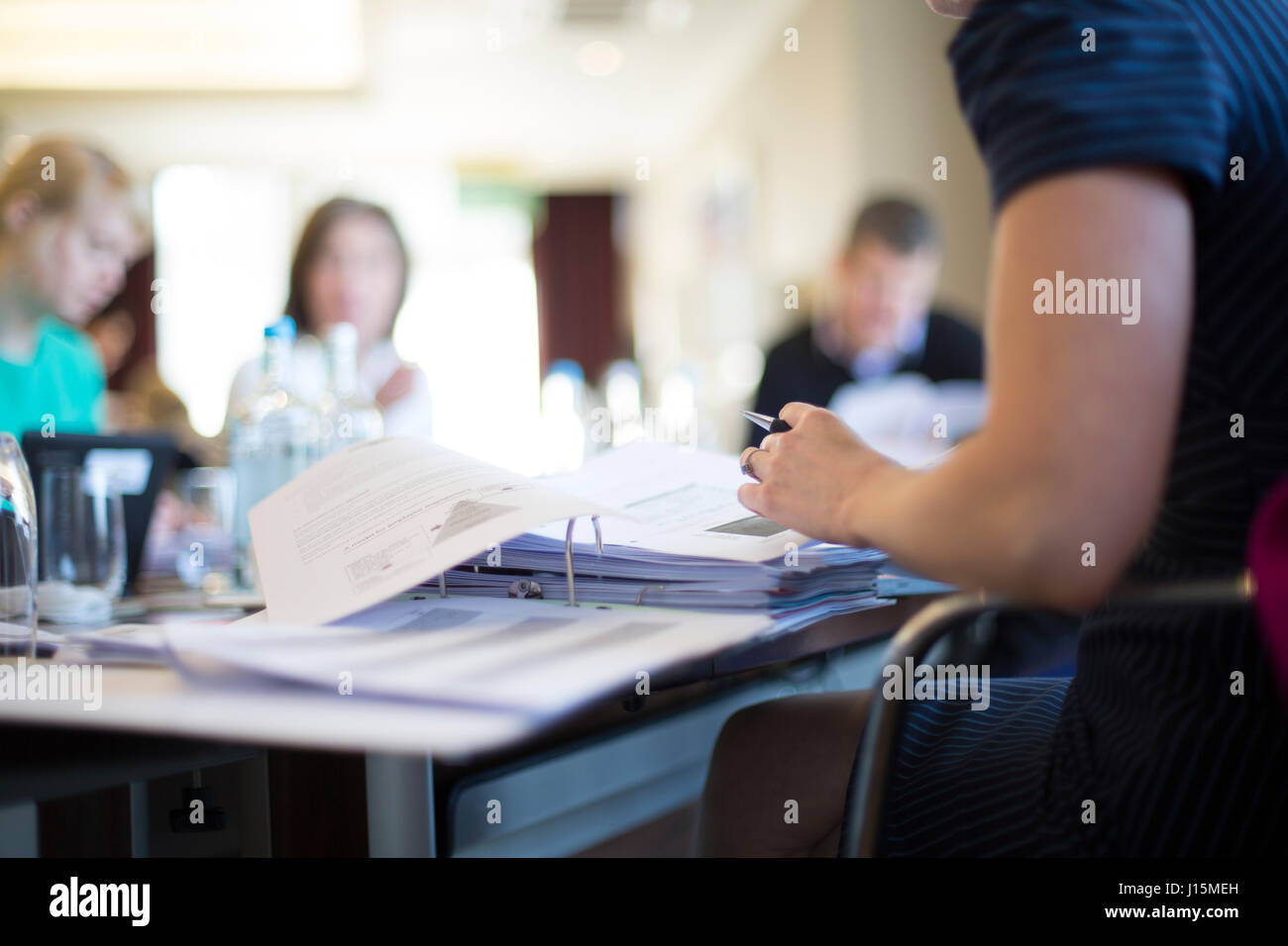x4 People in a meeting - Stock Image