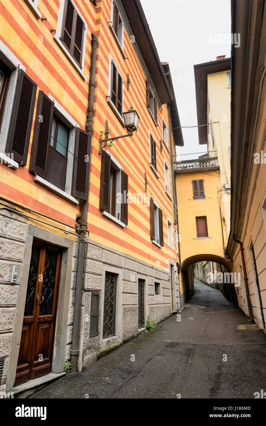 Lovere (Bergamo, Lombardy, Italy):, along the Iseo lake: old street - Stock Image