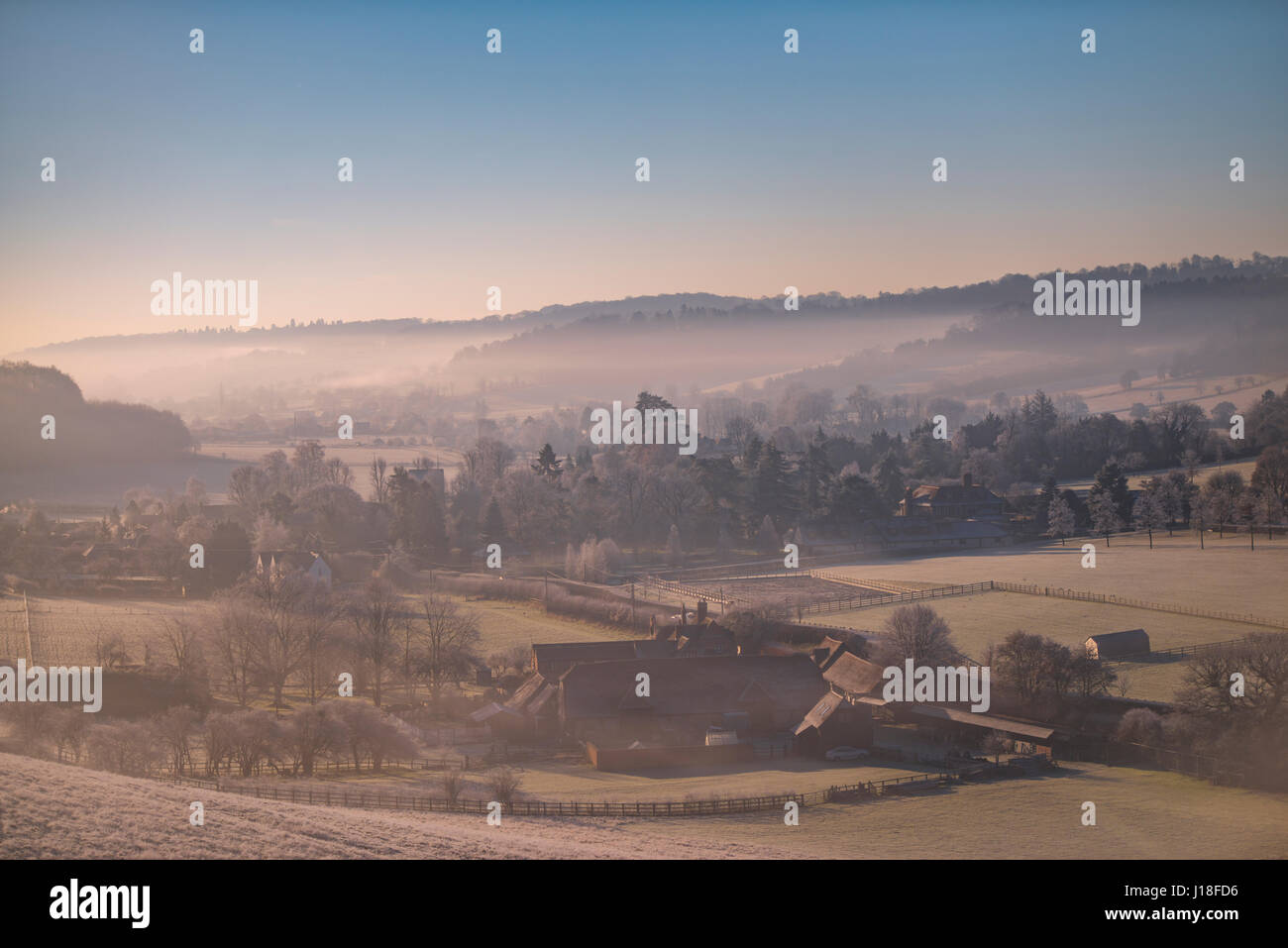 Early morning mist hangs over the Hamleden Valley - Stock Image