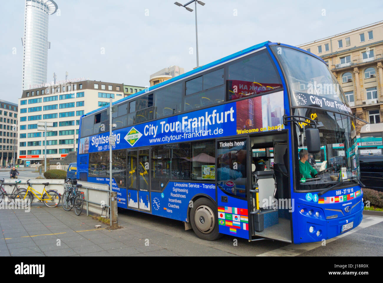 city tour sightseeing bus am hauptbahnhof in front of main railway stock photo 138491274 alamy. Black Bedroom Furniture Sets. Home Design Ideas