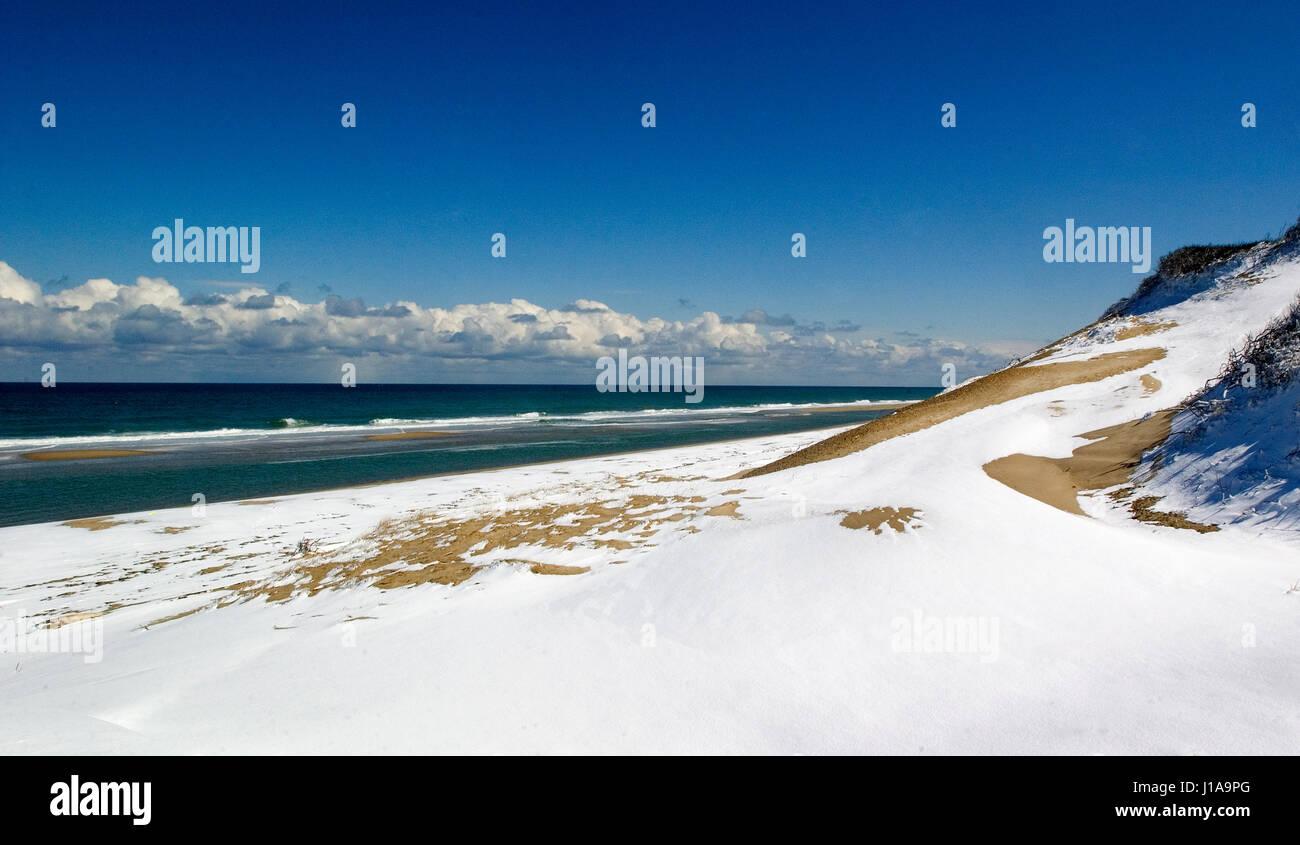 Where the sand meets the sea - Truro, Massachusetts on the Cape Cod National Seashore (USA) - Stock Image