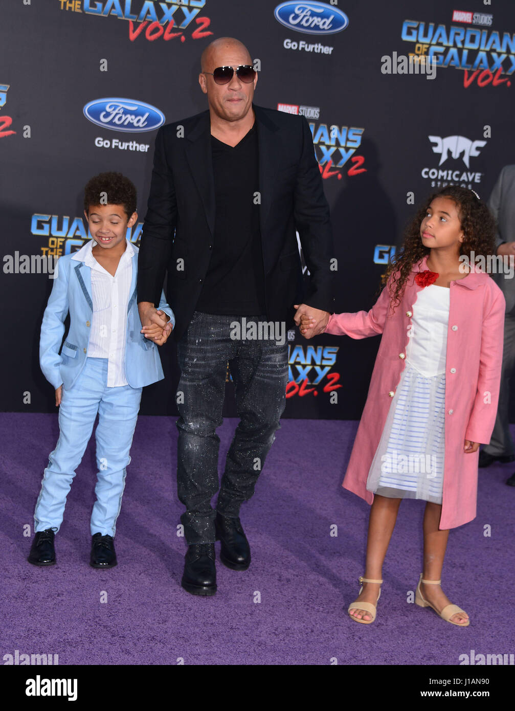 https://c8.alamy.com/comp/J1AN90/los-angeles-usa-18th-apr-2017-vin-diesel-daughter-hania-riley-sinclair-J1AN90.jpg Vin Diesel Daughter 2017
