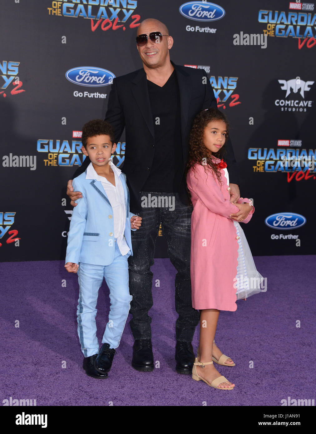 https://c8.alamy.com/comp/J1AN91/los-angeles-usa-18th-apr-2017-vin-diesel-daughter-hania-riley-sinclair-J1AN91.jpg Vin Diesel Daughter 2017