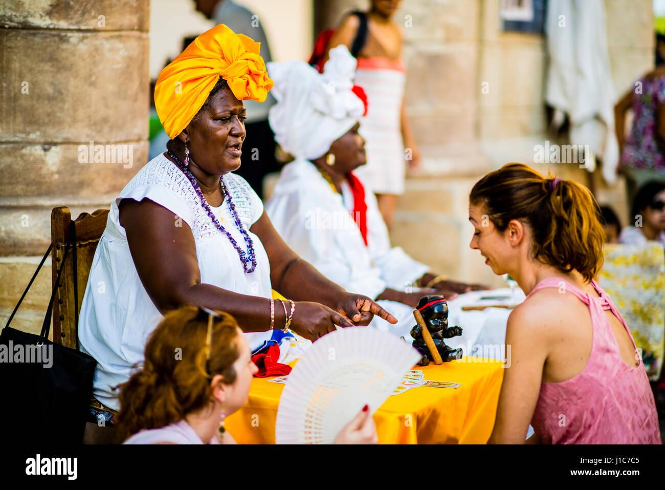 Fortune teller in old Havana Cuba on plaza de la ctedrale - Stock Image