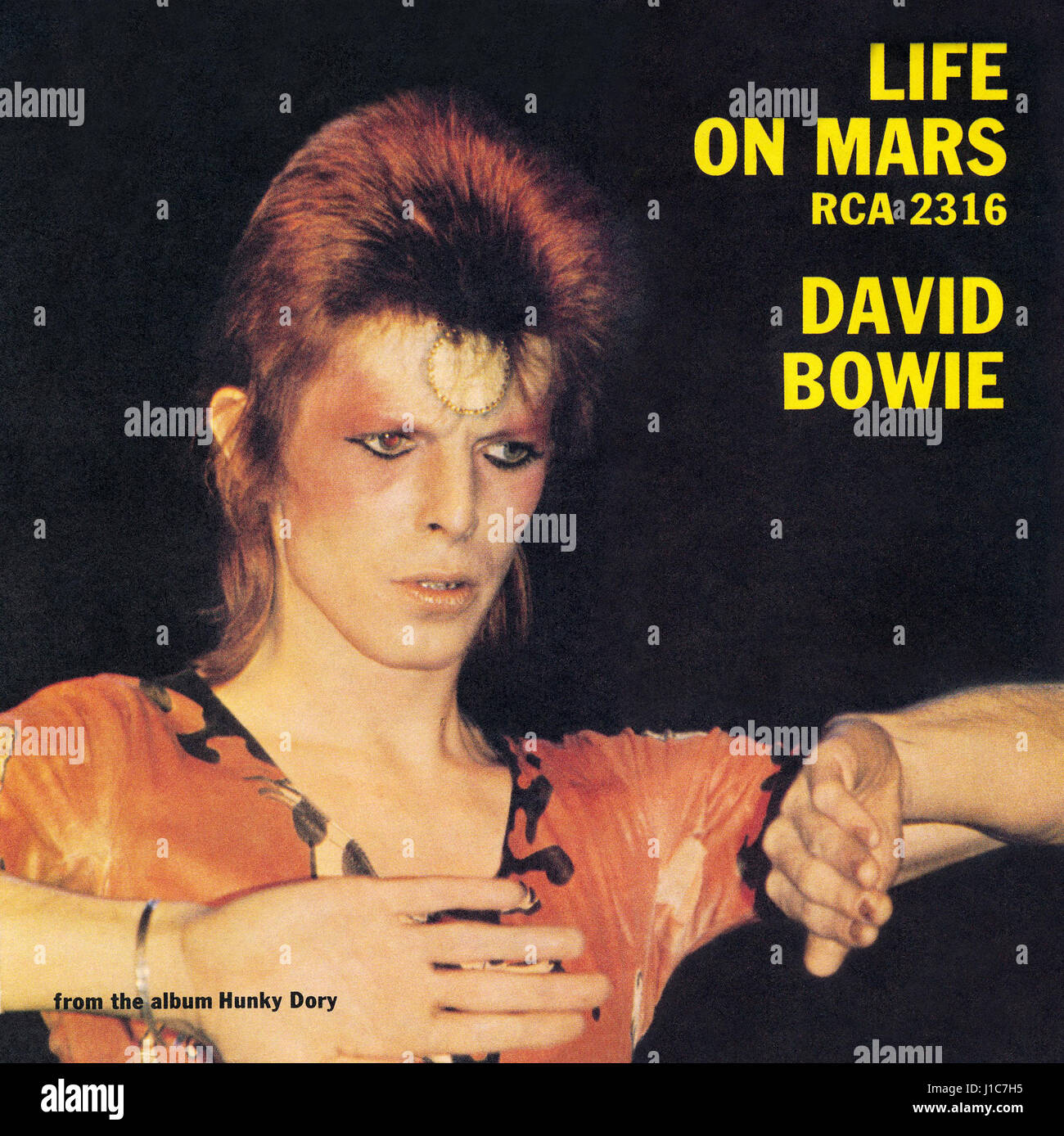 Front cover of the record sleeve for the UK single Life On Mars by David Bowie. Issued by RCA Records on 29th June Stock Photo