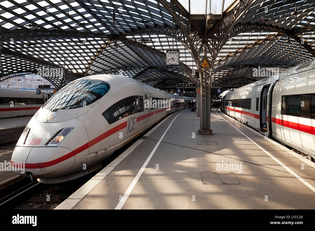 Cologne Central Station, Platform, Intercity ICE, Cologne, Rhineland, North Rhine-Westphalia, Germany - Stock Image