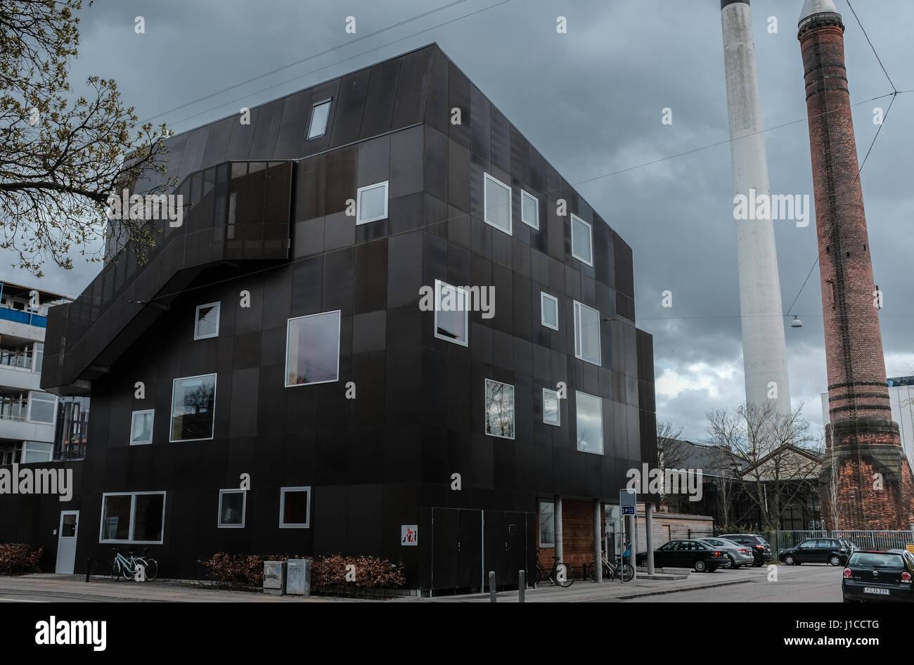 Storm clouds over Nykløveret Børnetårn, a stunning example of modern danish architecture, Copenhagen, - Stock Image
