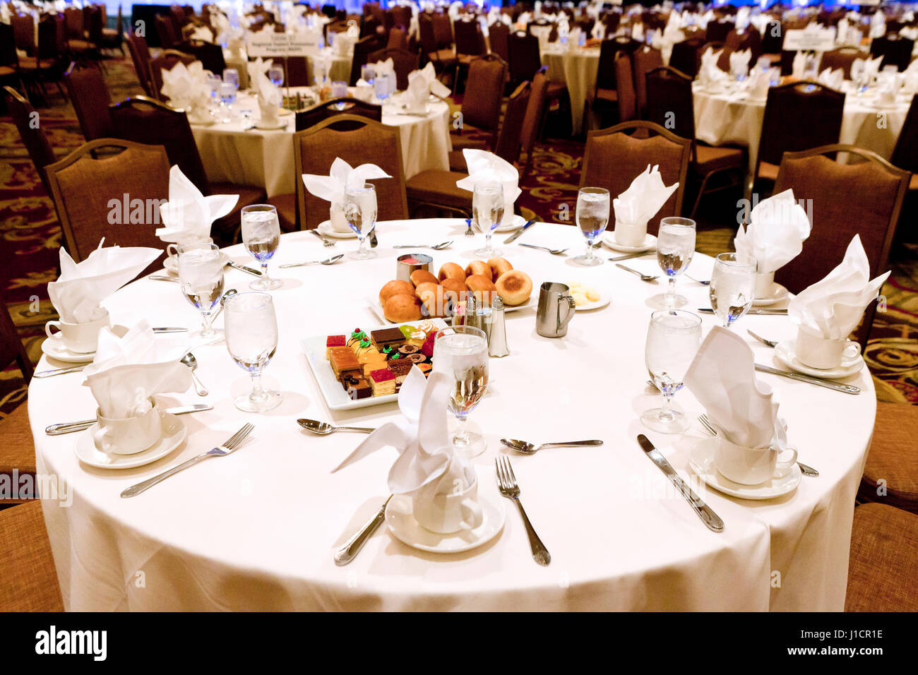 Hotel banquet dining table for large event  - USA - Stock Image