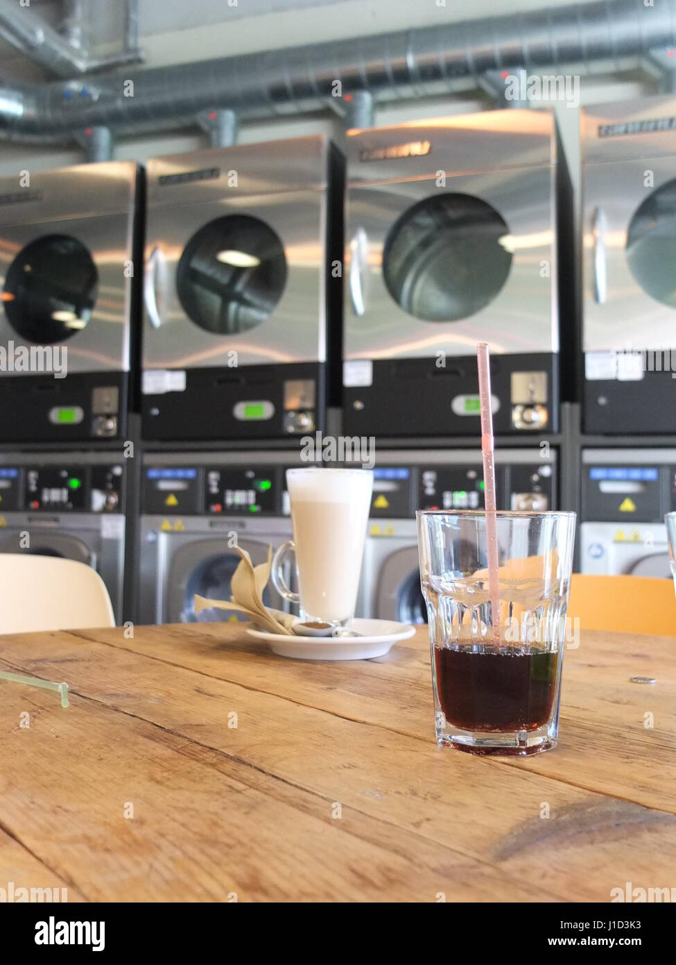 Mr Bubbles, a combined laundrette (laundromat) and café in Sheffield - Stock Image