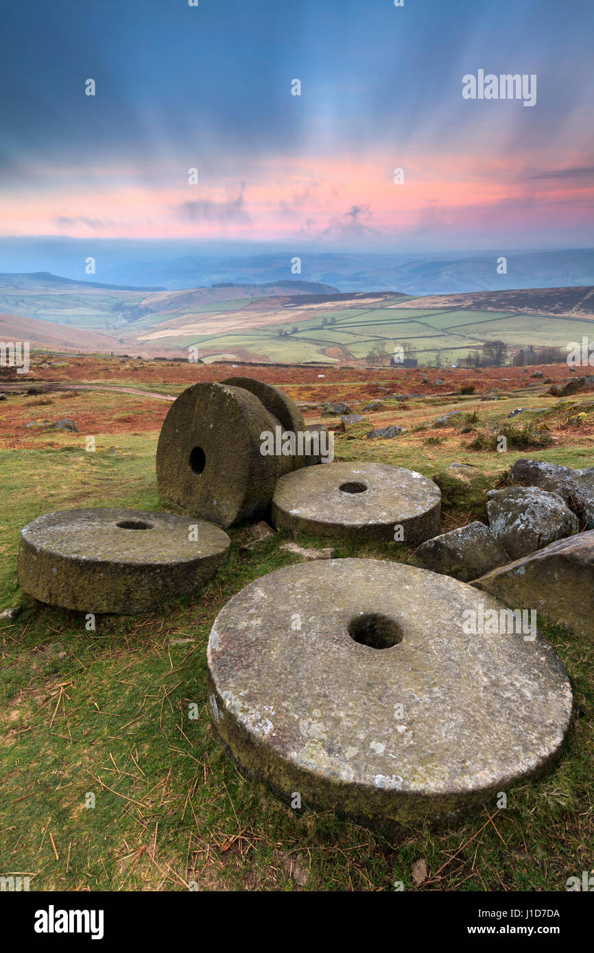 Millstones on Stanage Edge in the Peak District National Park - Stock Image