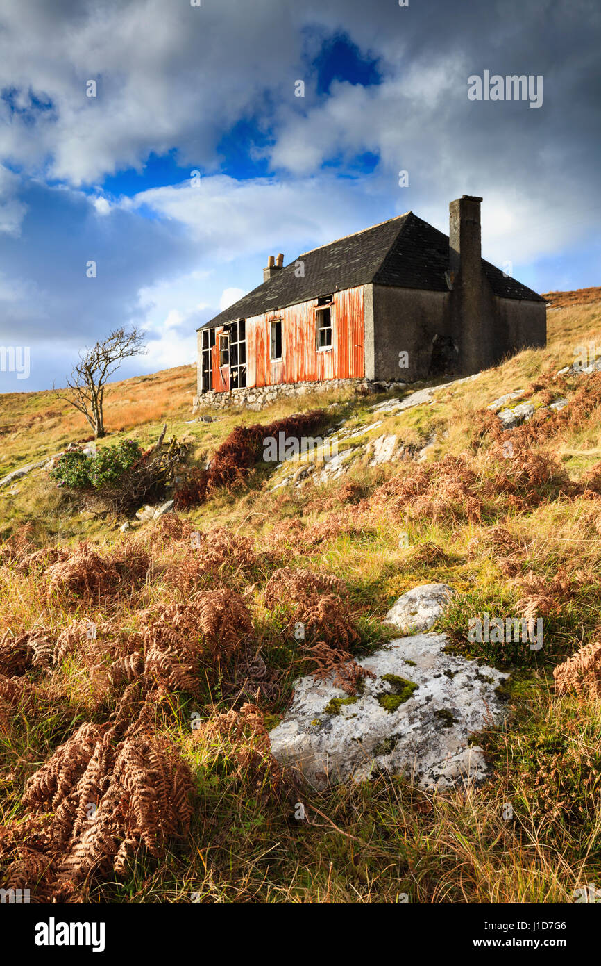 An abandoned building on the Isle of Scalpay in the Outer Hebrides. - Stock Image