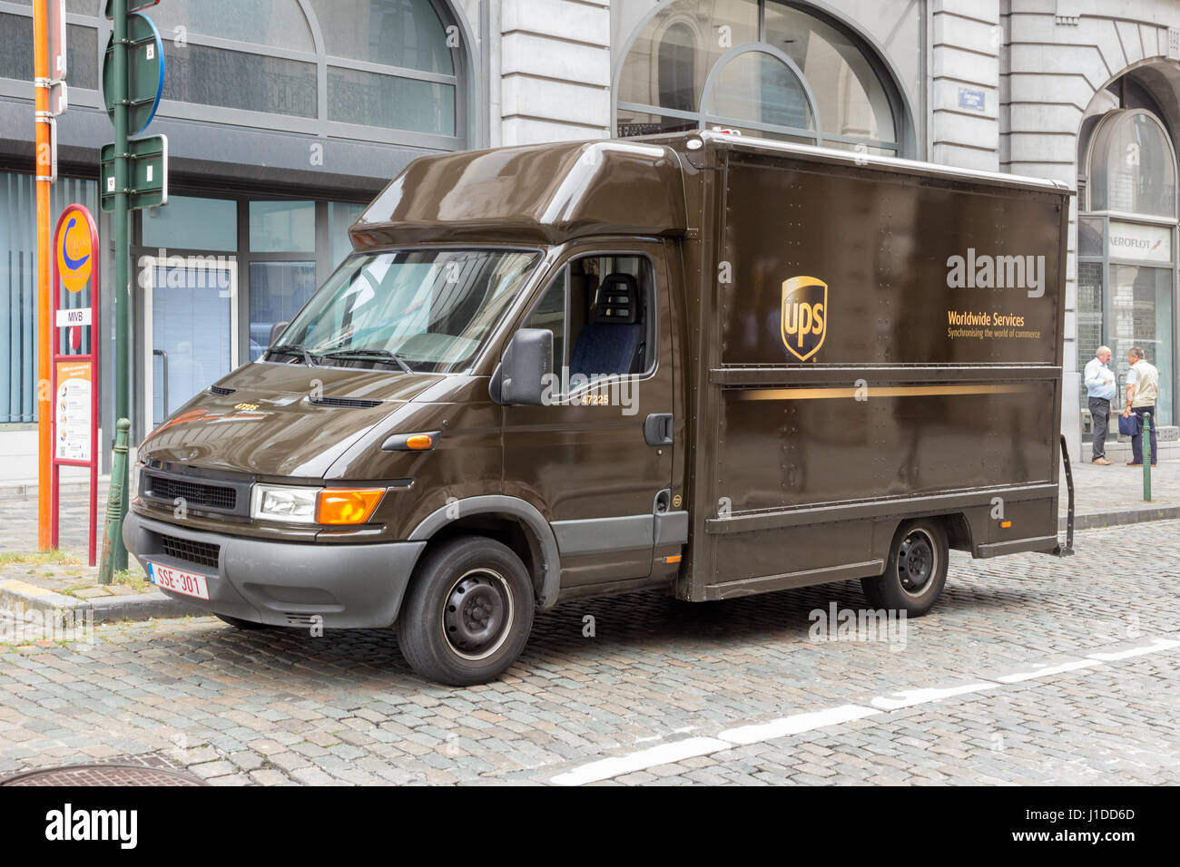 Ups Package Delivery Driver Pay >> Brussels July 30 2014 Ups Truck Driver Delivers Packages