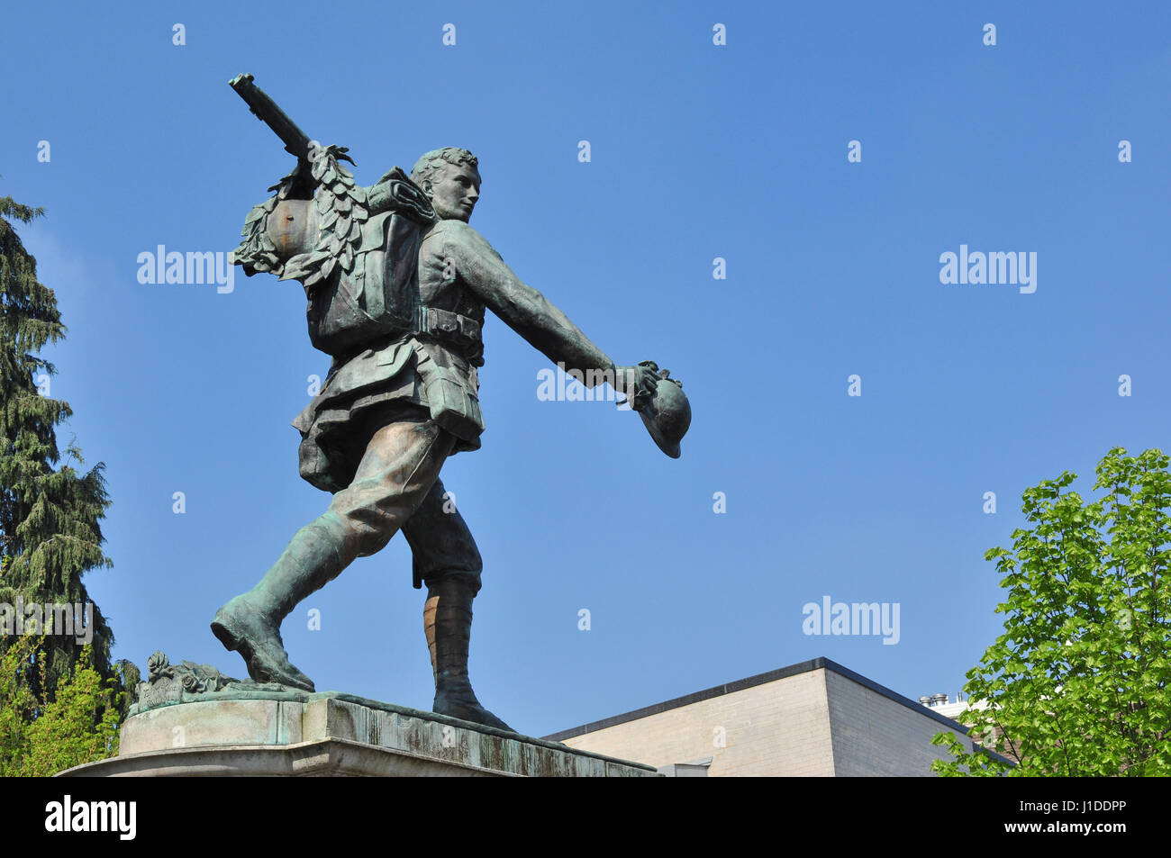 War Memorial at the junction of Hills Road and Station Road, Cambridge, England, UK - Stock Image