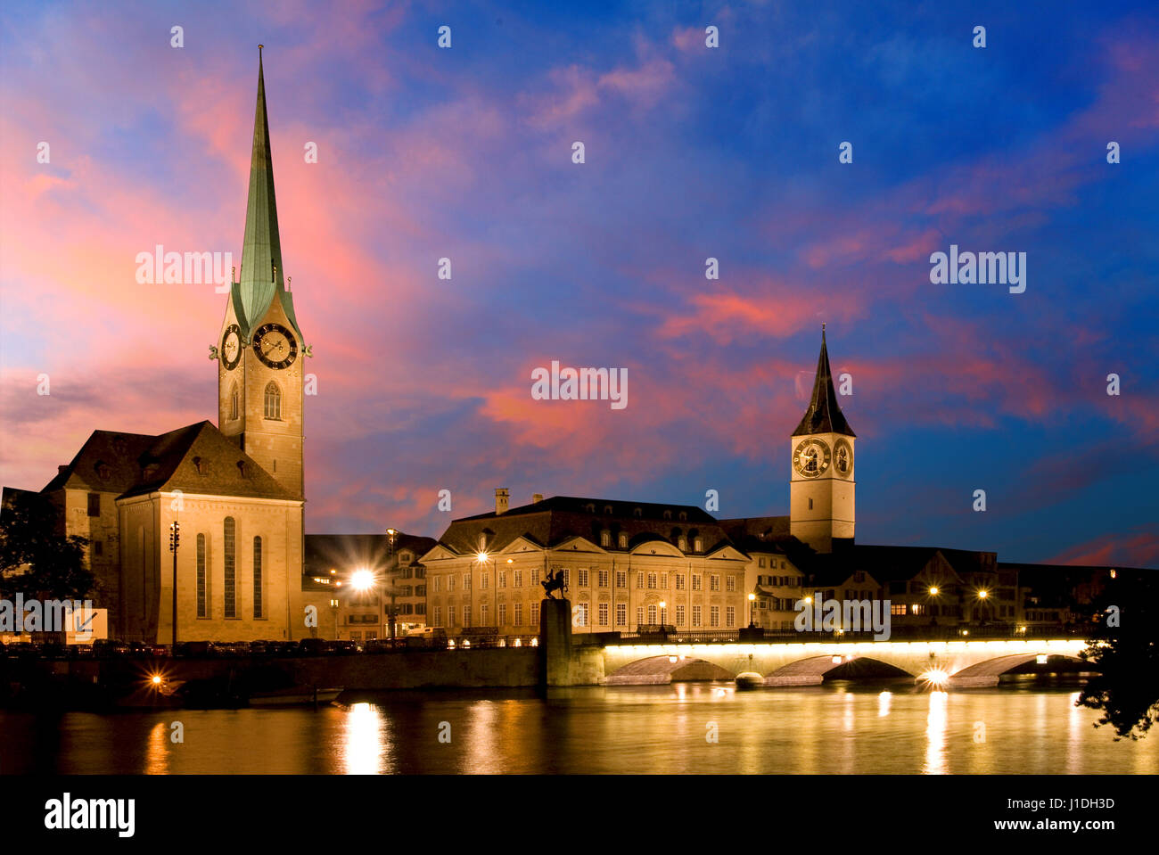 The night view of the Fraumunster in Zurich - Stock Image