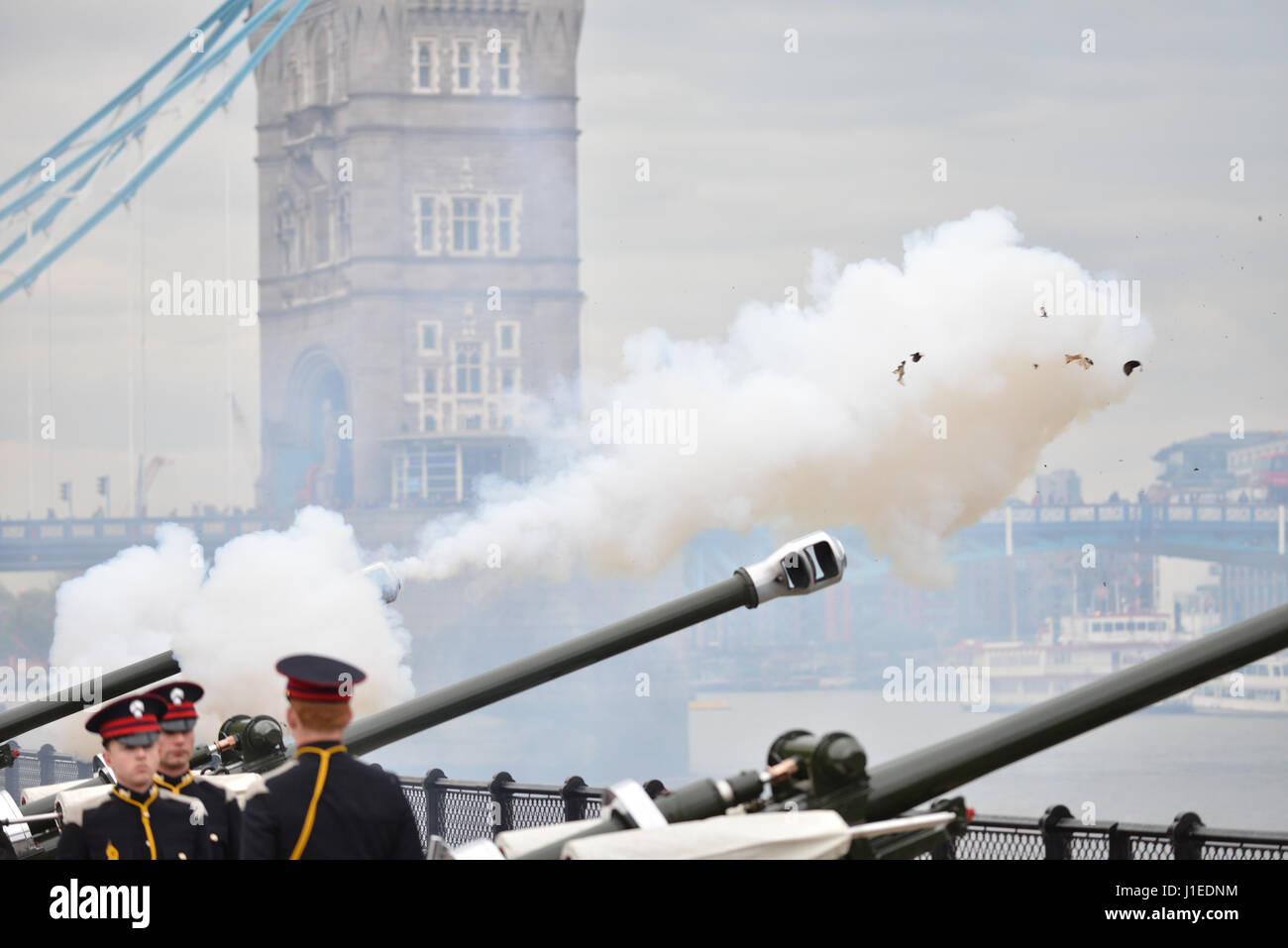 Tower of London, London, UK. 21st April 2017.  A 62 round gun salute to celebrate the Queen's 91st birthday. Credit: Stock Photo