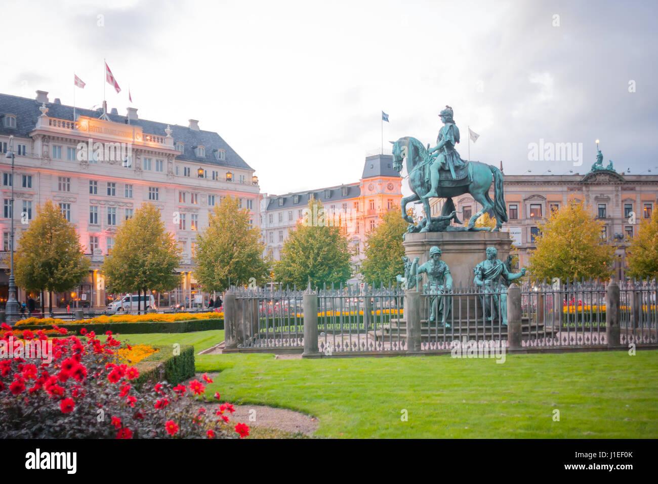 COPENHAGEN, DENMARK - OCTOBER 01, 2010: Scene of the Kongens Nytorv (The King's New Square) square, and the - Stock Image