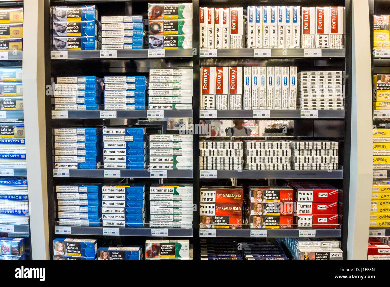 Duty Free Cigarettes High Resolution Stock Photography And Images Alamy