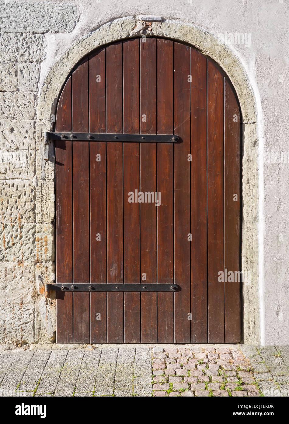 Bon Old Round Wooden Door