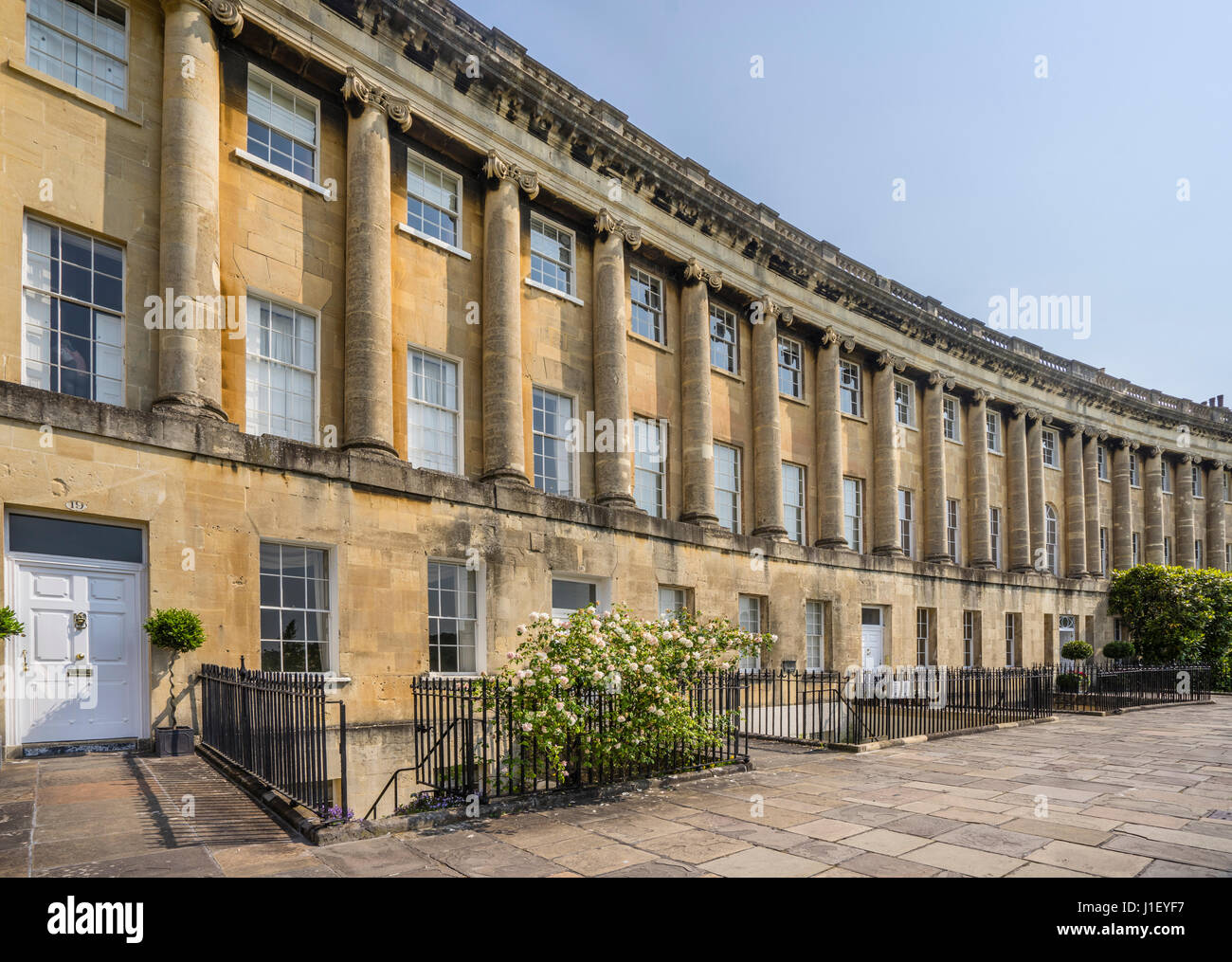 United Kingdom, Somerset, city of Bath, the Royal Crescent, terraced houses in Georgian architecture with Ionic - Stock Image