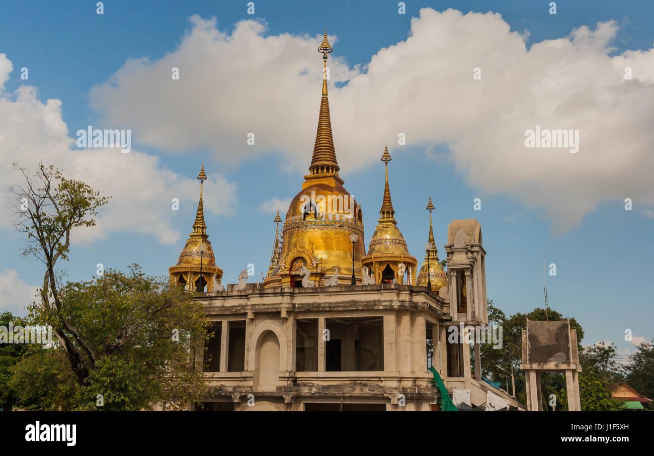 Buddha Temple Thailand blauer Himmel - Stock Image