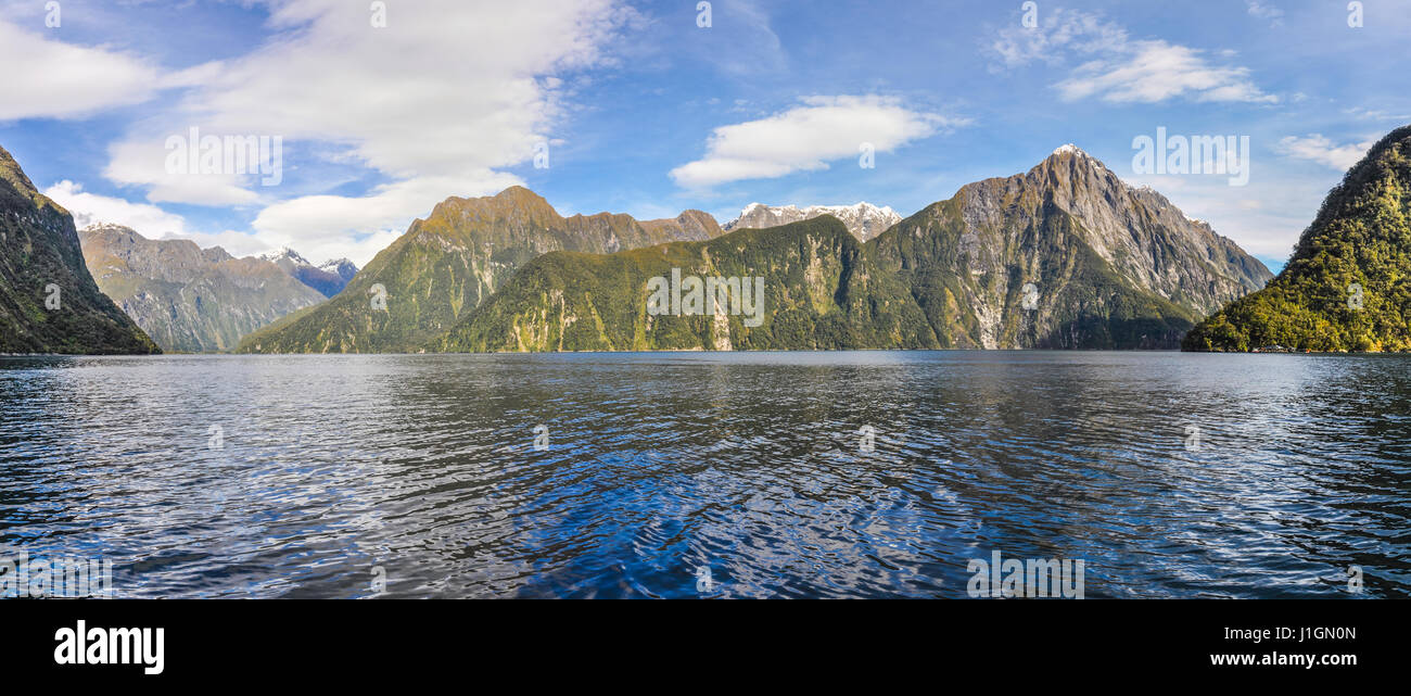 Panoramic view in the Milford Sound, one of the most beautiful fiords in New Zealand - Stock Image