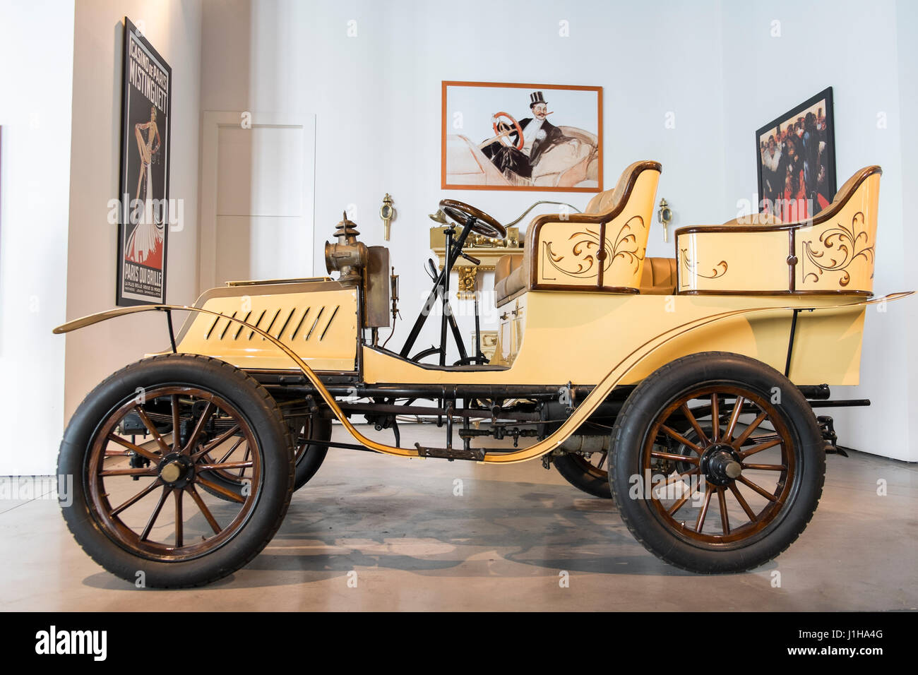 1903 De Dion-Bouton. Toulouse-Lautrec style. Automobile Museum of Málaga, Andalusia, Spain - Stock Image