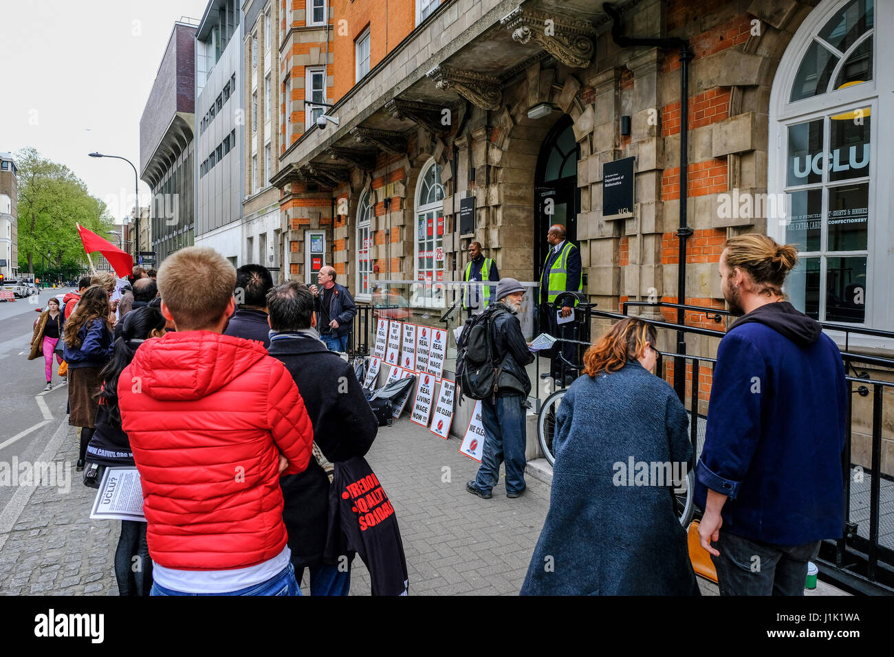 London, UK. 21st April, 2017. Staff of Univeristy College London protest for fair pay outside the Union building Stock Photo