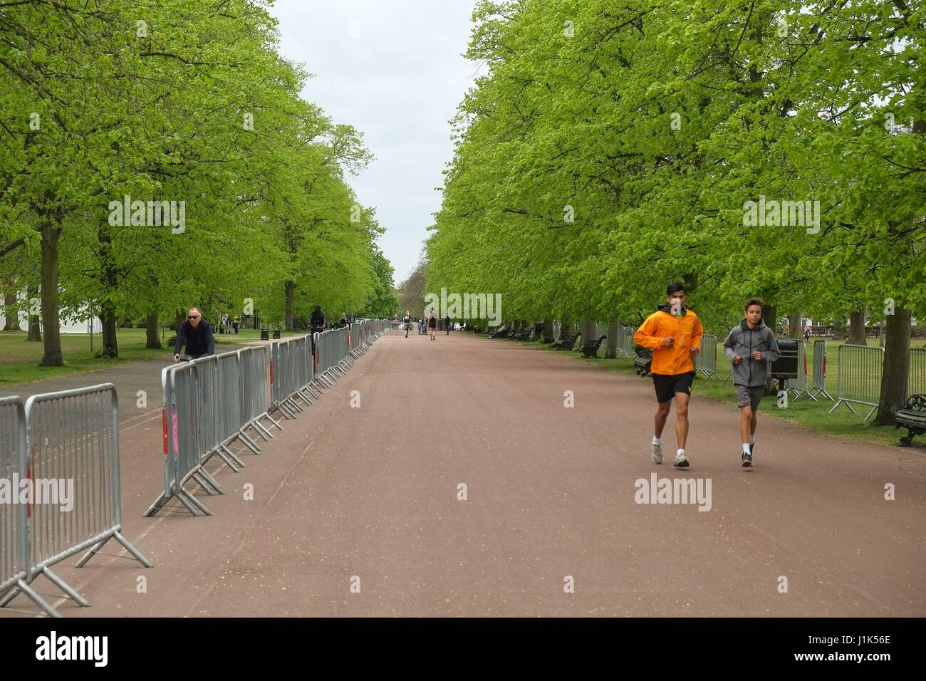 London, UK. 21st April 2017. Preparations for this Sundays London Marathon on Blackheath and Greenwich Park, South Stock Photo