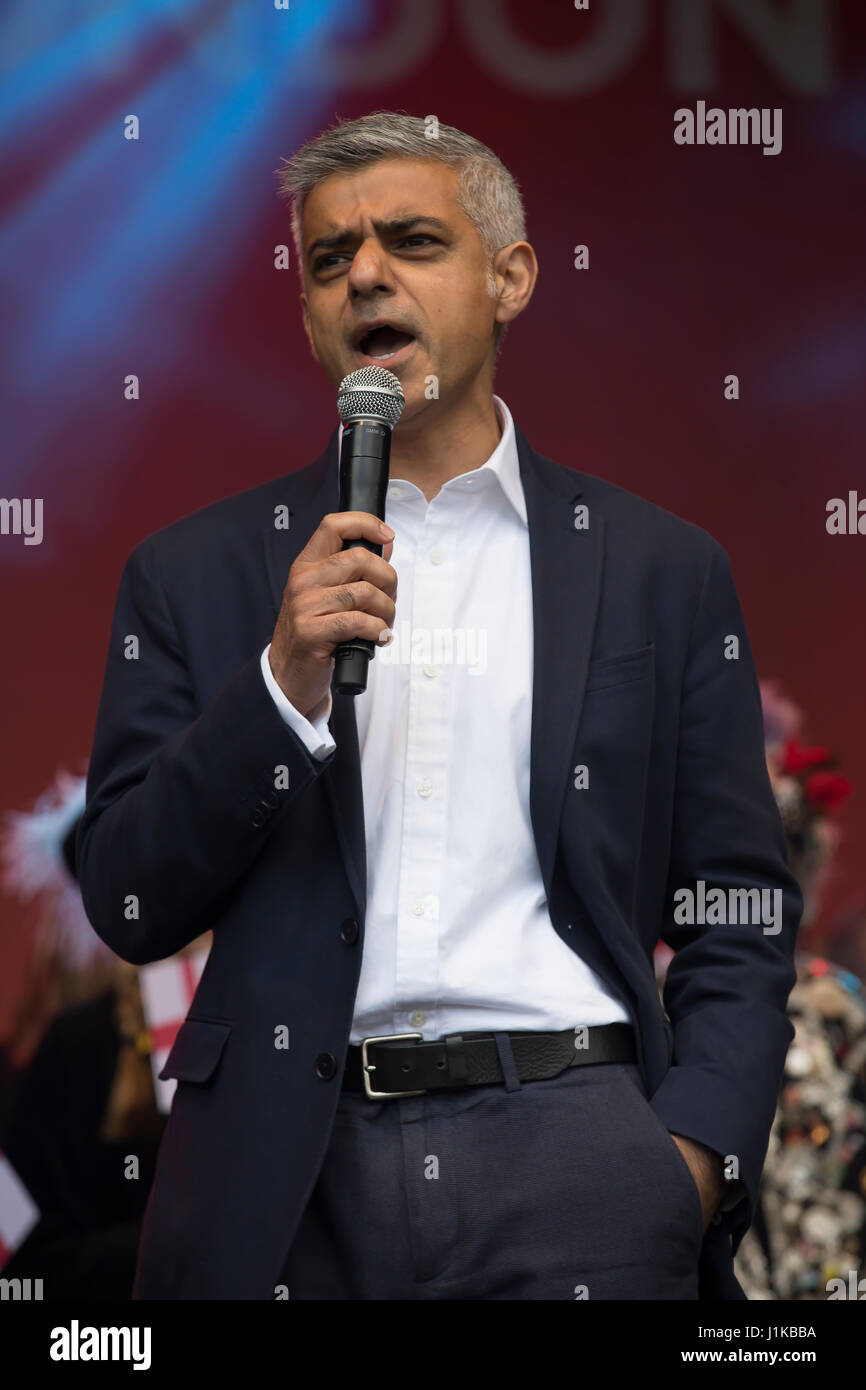 London, UK. 22nd Apr, 2017. Sadiq Khan, Mayor of London attends the annual St George's Day Feast in Trafalgar - Stock Image