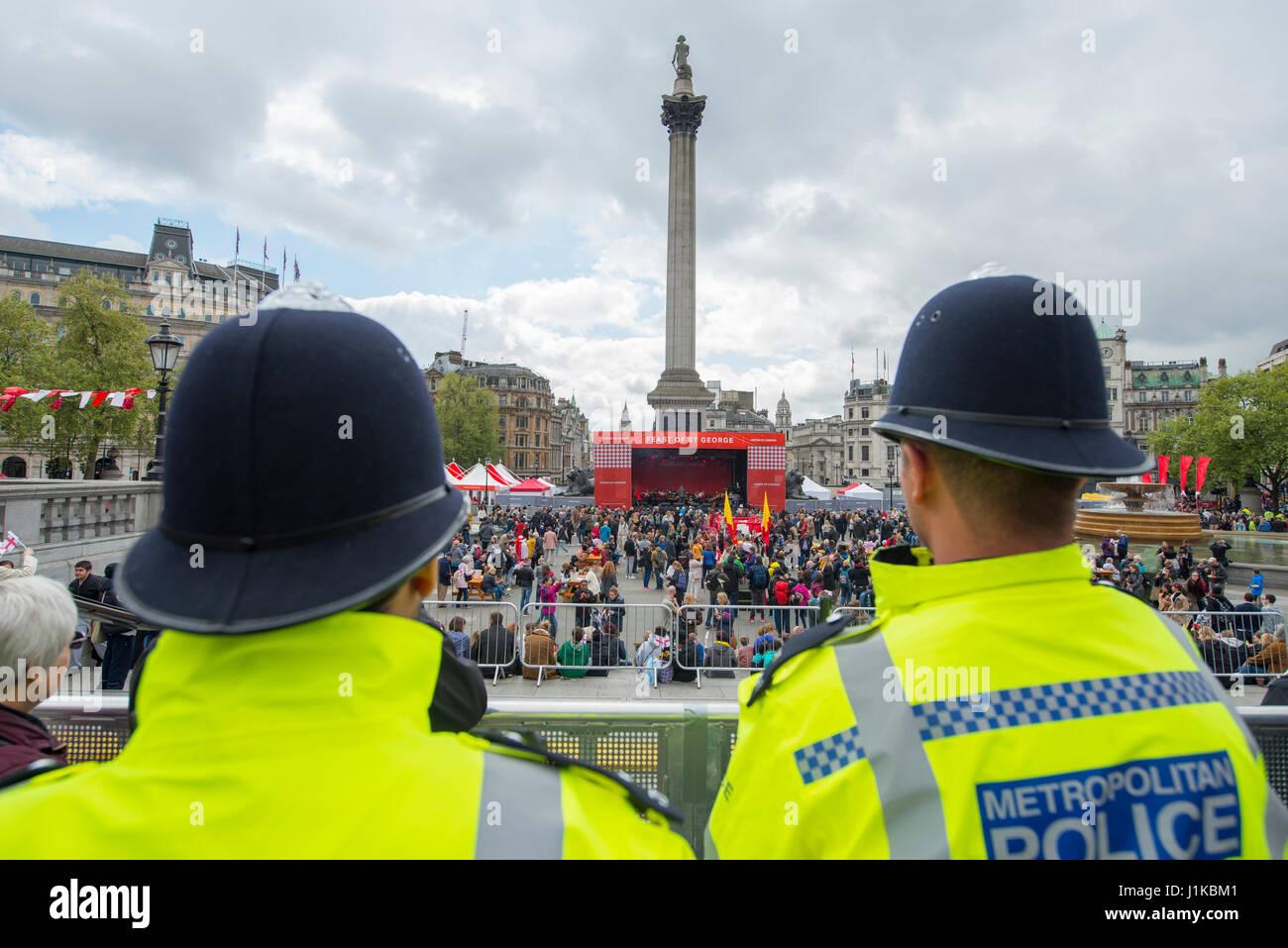 Trafalgar Square, London, UK. 22nd Apr, 2017. London celebrates St Georges Day at the Mayor of London's annual - Stock Image
