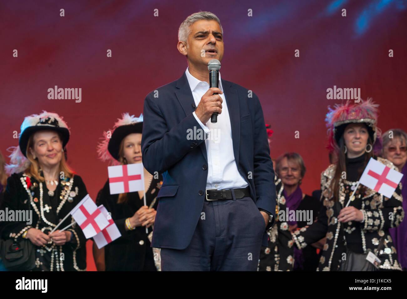 Trafalgar Square, London UK. 22 April, 2017. Feast of St. George.  London Mayor Sadiq Khan at London's annual - Stock Image