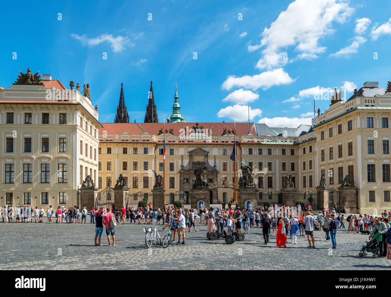 Prague Castle from Hradcany Square (Hradčanské náměstí), Prague, Czech Republic - Stock Image