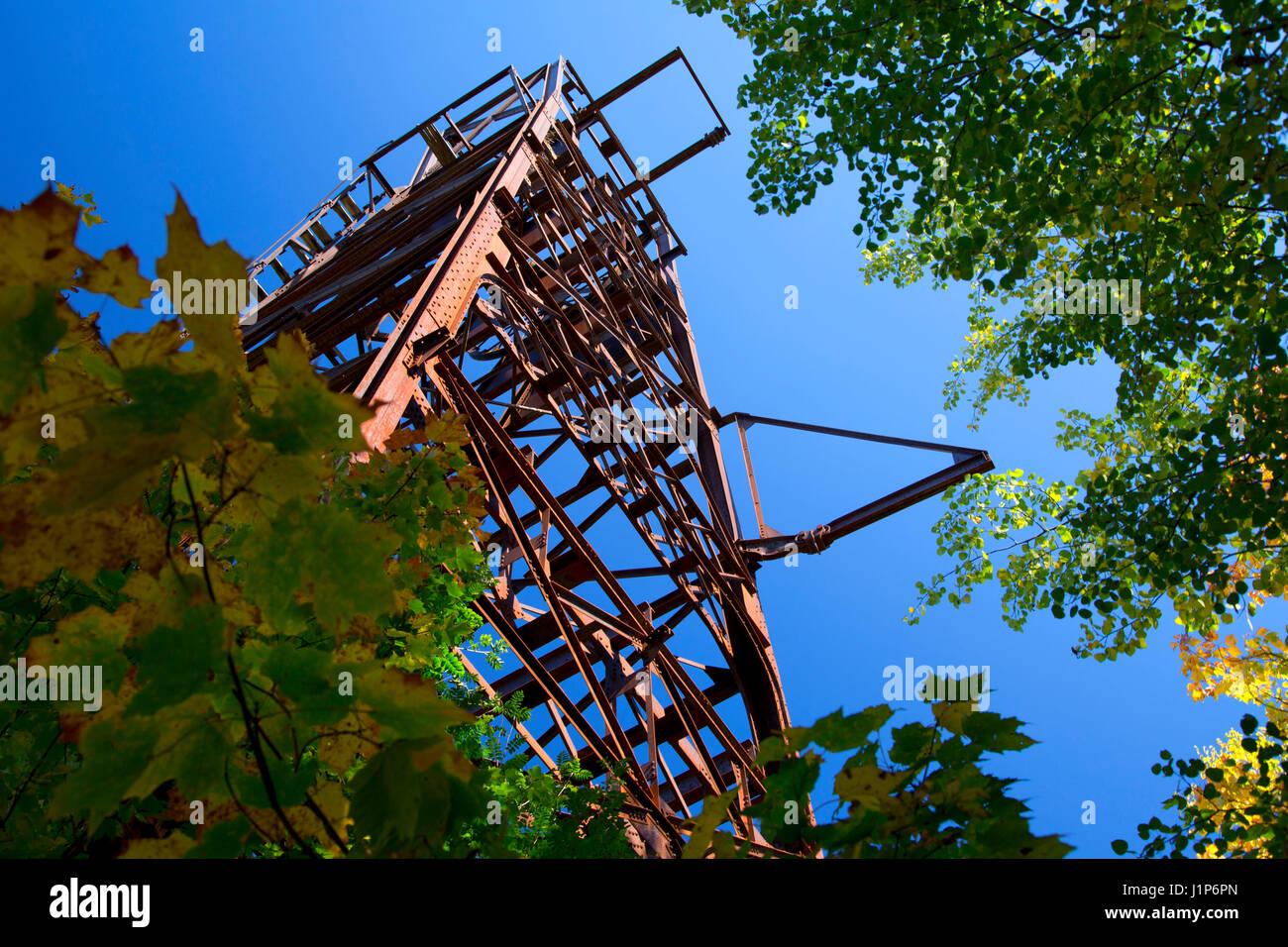 Headframe, Plummer Mine Mainframe Interpretive Park, Penokee Iron Range Trail, Iron County, Wisconsin - Stock Image