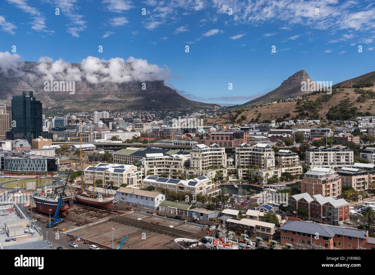 Cityscape with Lionshead and Tafelberg, Cape Town, Western Cape, Republic of South Africa - Stock Image