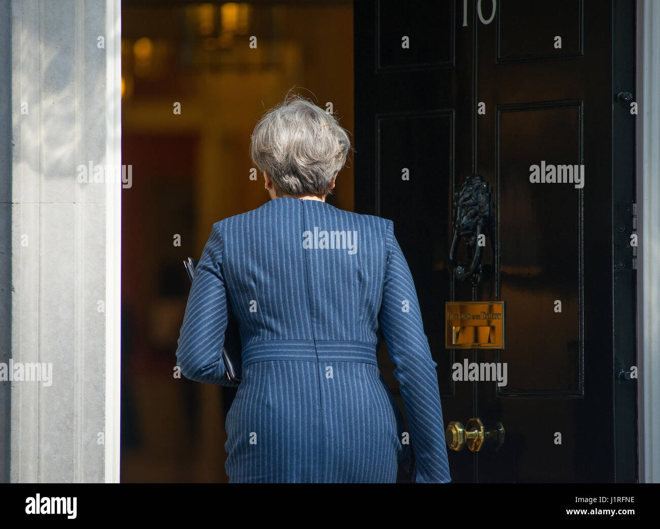 Downing Street, London UK. 18th April, 2017. PM Theresa May enters No 10 after announcings snap general election - Stock Image