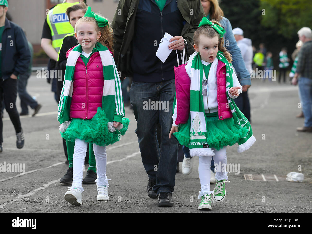 Hibernian fans Charotte Read (left) and Lily Read arriving for the Scottish Cup, Semi Final match at Hampden Park, - Stock Image