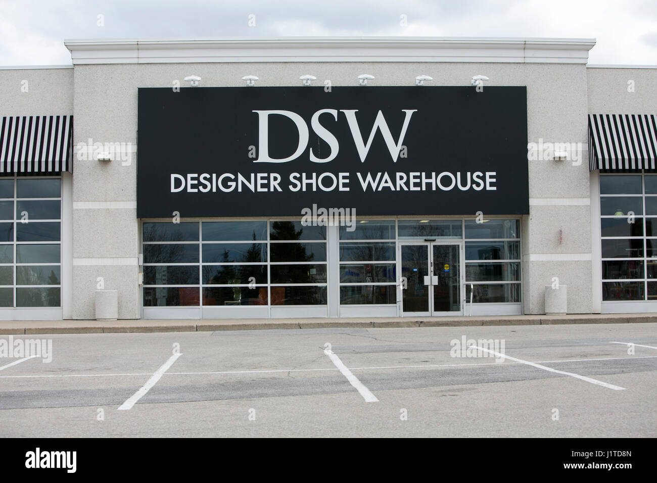 d6677d2f213 A logo sign outside of a DSW Designer Shoe Warehouse retail store in  Mississauga