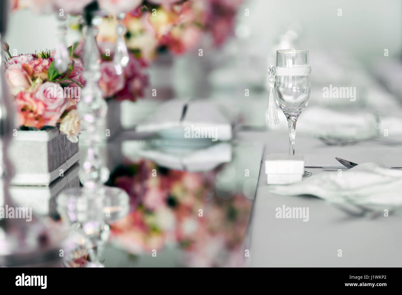 Beautiful wedding table arrangement with decorative elements and beautiful wedding table arrangement with decorative elements and roses junglespirit Image collections