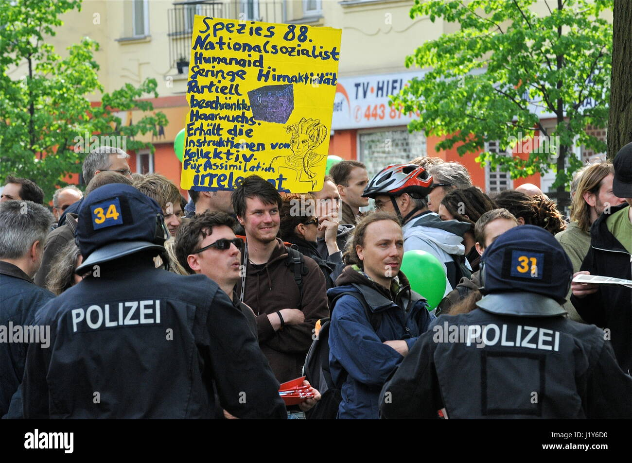 Thousands of left wing militants protest May Day neo-nazi march, in Berlin-Prenzlauerberg Stock Photo