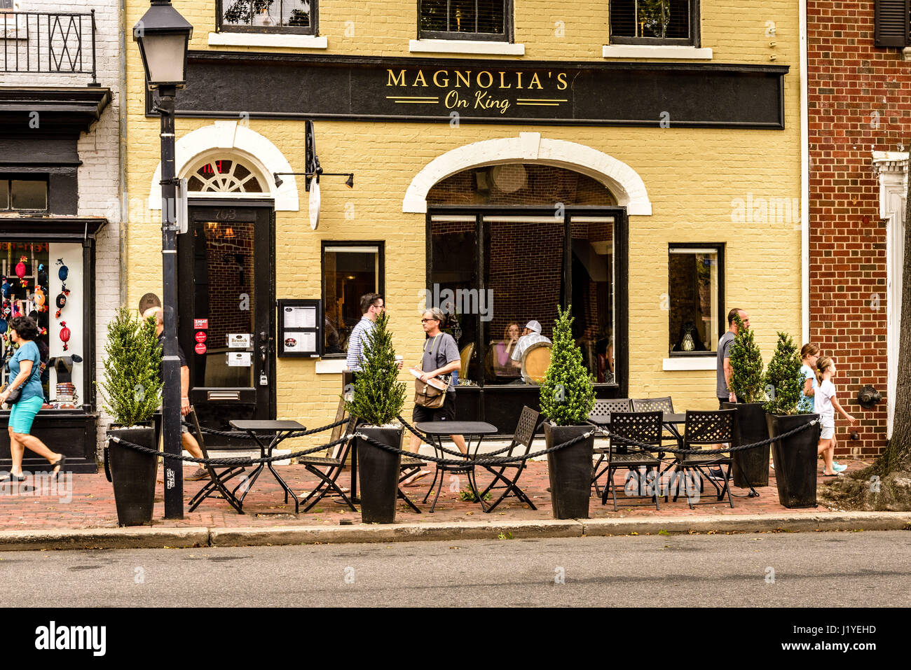 Magnolia's on King, King Street, Old Town Alexandria, Virginia - Stock Image